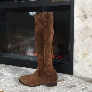 Frye Cara Tall Pull On suede boot NEW W/OUT TAGS.